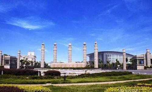 校园风景怎么样,交通方不方便,南京信息工程大学滨江学院学费多少