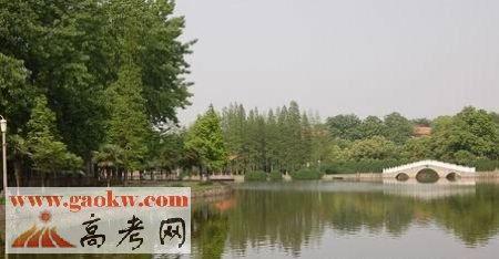 武汉工程父亲学邮电与信息工程学院是几本